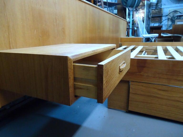 Mid-Century Modern Teak Queen Size Platform Bed For Sale 1