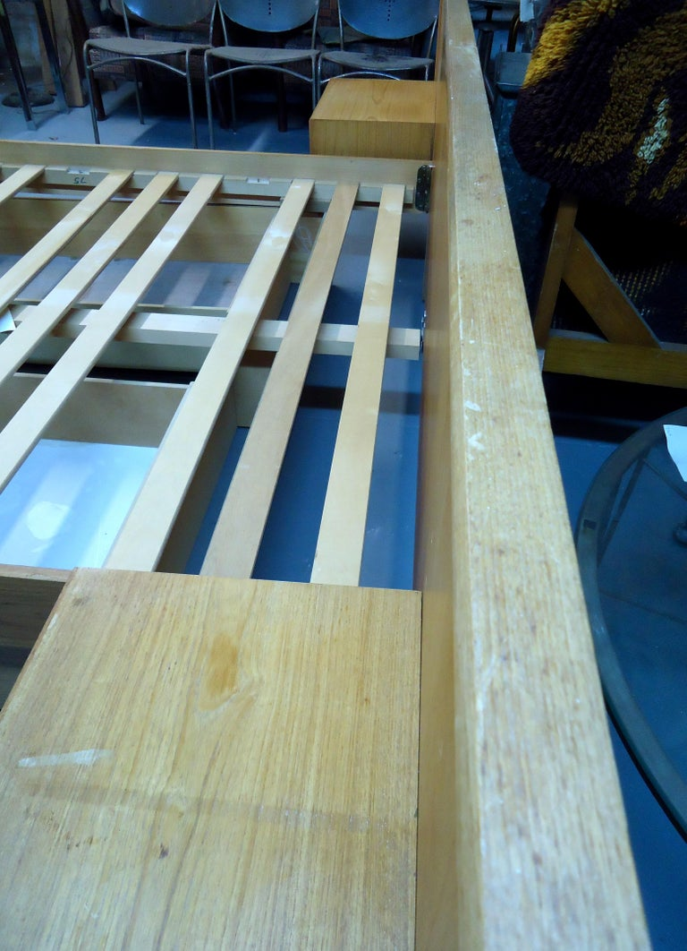 Mid-Century Modern Teak Queen Size Platform Bed For Sale 4