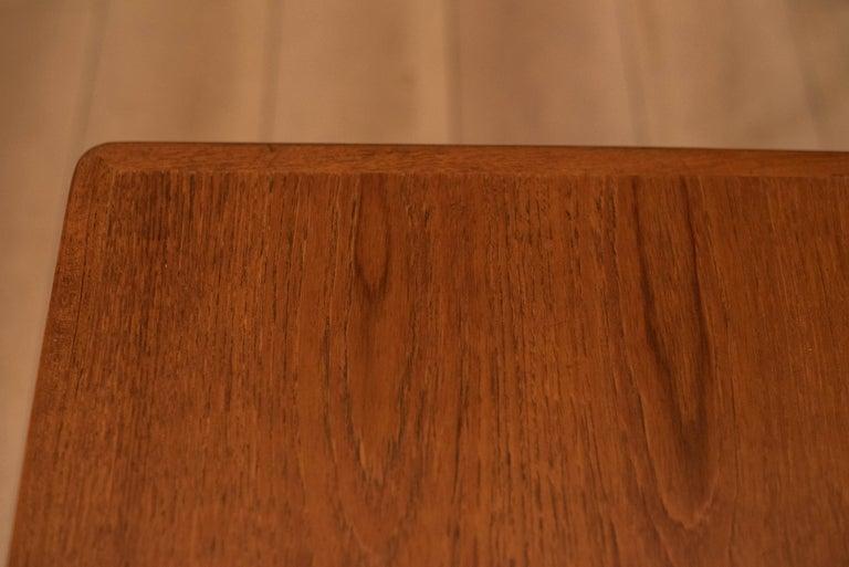 Mid-Century Modern Teak Set of Nesting Tables For Sale 9