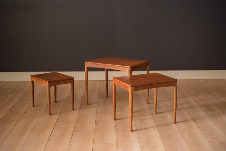 Mid-Century Modern Teak Set of Nesting Tables For Sale 2