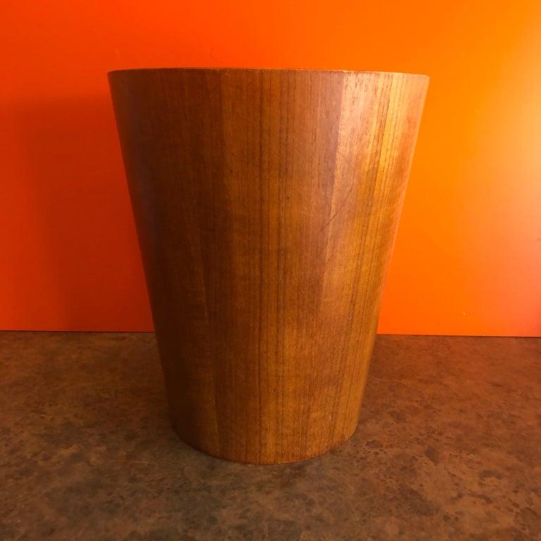 Mid-Century Modern Teak Waste Basket by Martin Aberg for Servex Rainbow In Good Condition In San Diego, CA