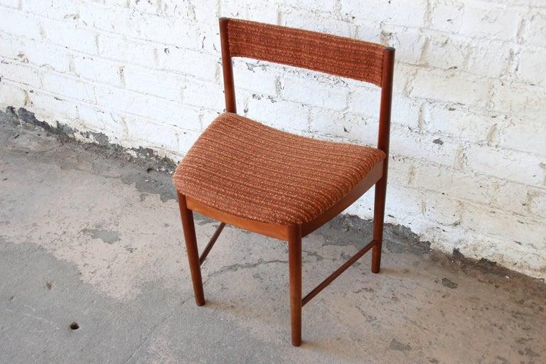 Strange Mid Century Modern Teak Wedge Shaped Dining Chairs By G Plan Set Of Six Dailytribune Chair Design For Home Dailytribuneorg