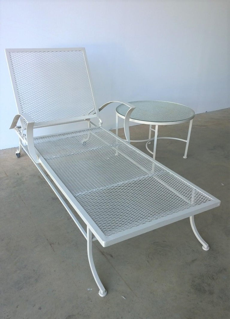 Bob Anderson Refinished Wrought Iron Chaise Lounge in Almond White In Good Condition For Sale In Houston, TX