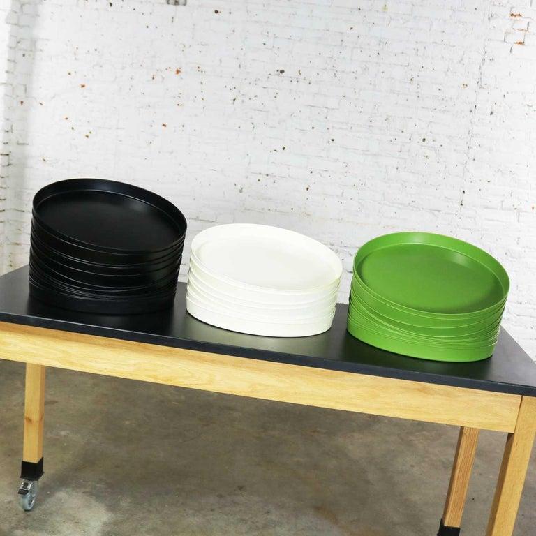 Molded Mid-Century Modern Trays Green Black White Round Plastic Sabe's Splatter Platter