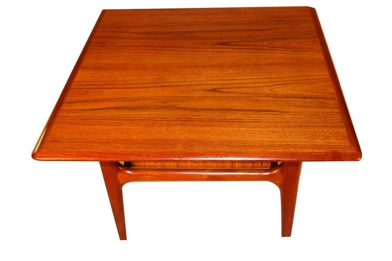 Unknown Mid-Century Modern Trioh Danish Teak End Table For Sale