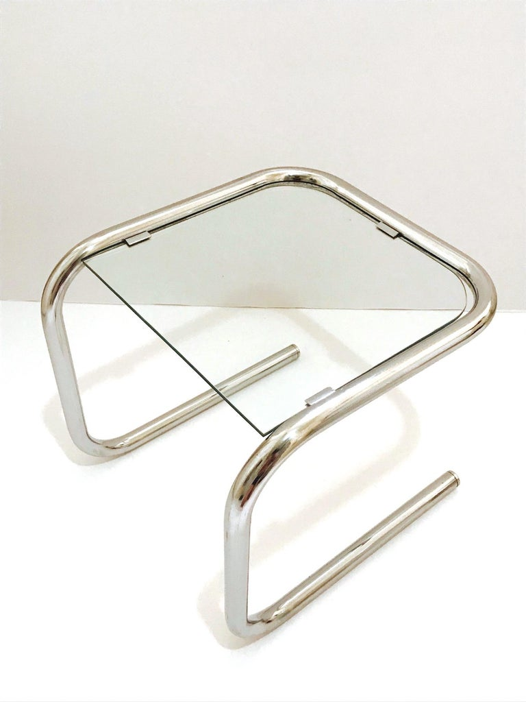 German Mid-Century Modern Tubular Chrome Side Table in the Style of Thonet, 1960s For Sale