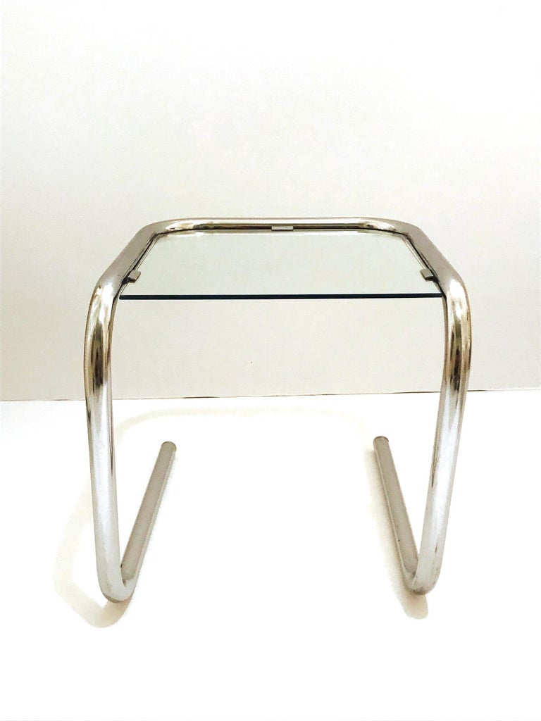 Polished Mid-Century Modern Tubular Chrome Side Table in the Style of Thonet, 1960s For Sale
