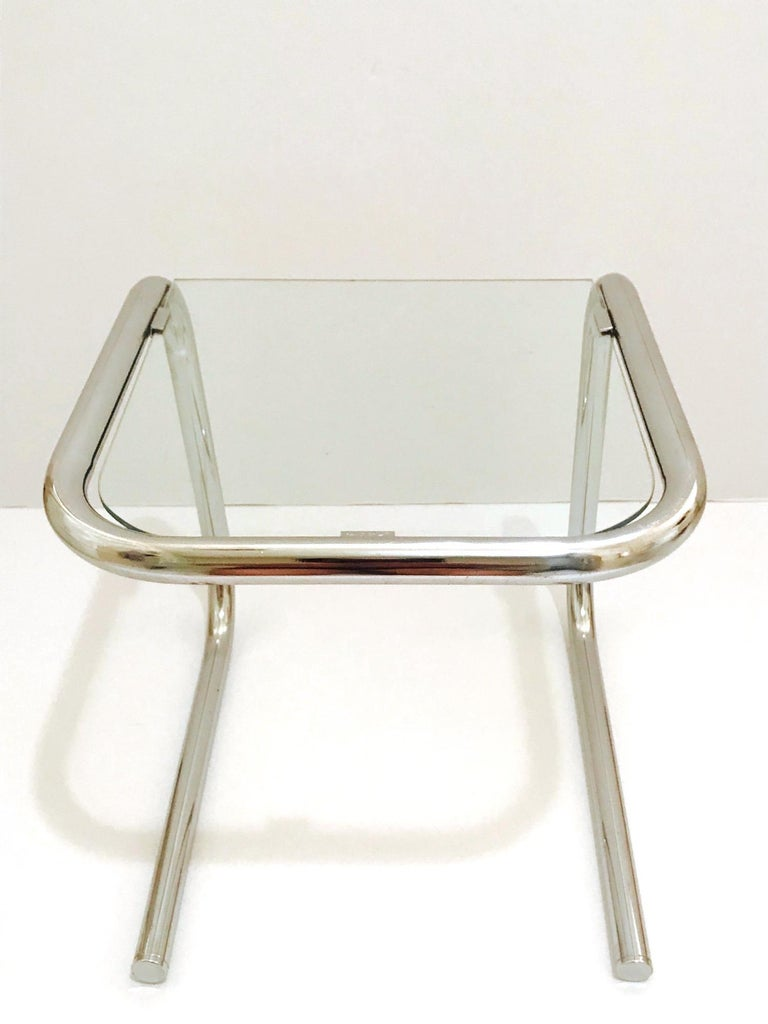 Mid-20th Century Mid-Century Modern Tubular Chrome Side Table in the Style of Thonet, 1960s For Sale