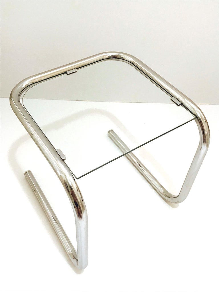 Glass Mid-Century Modern Tubular Chrome Side Table in the Style of Thonet, 1960s For Sale