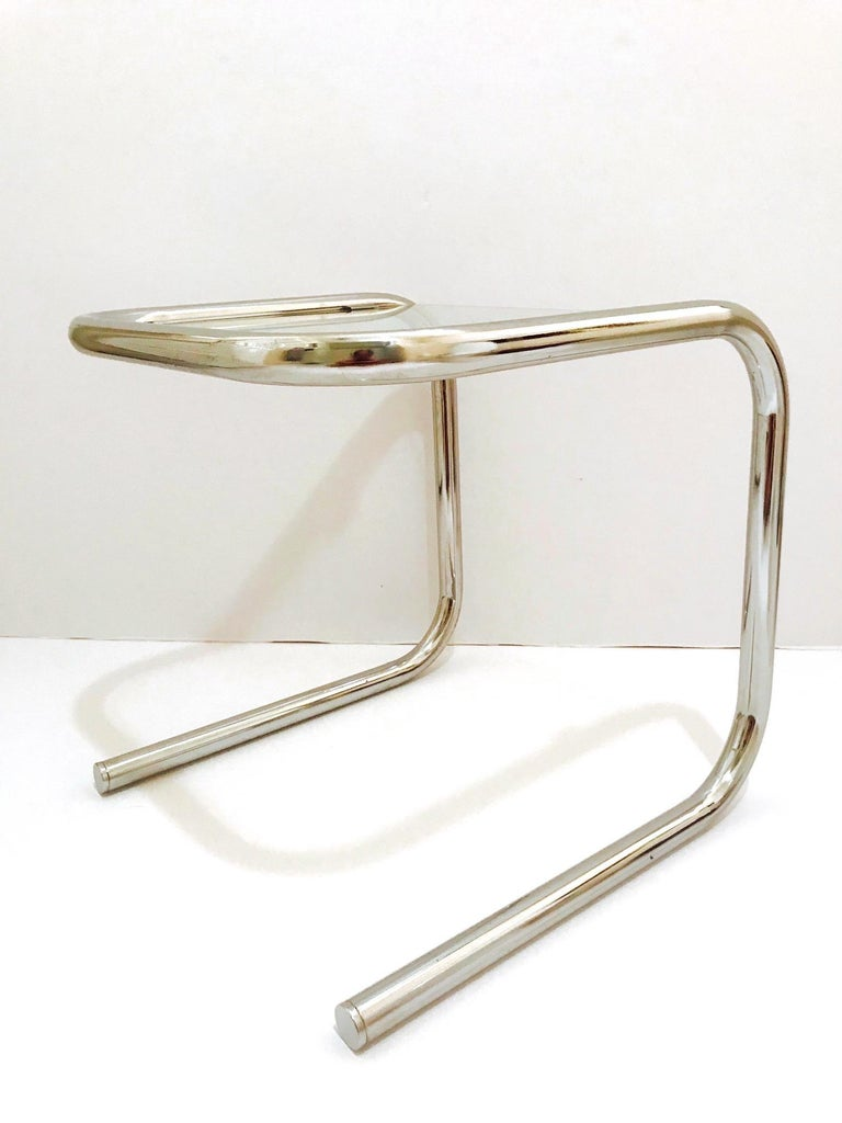 Mid-Century Modern Tubular Chrome Side Table in the Style of Thonet, 1960s For Sale 1