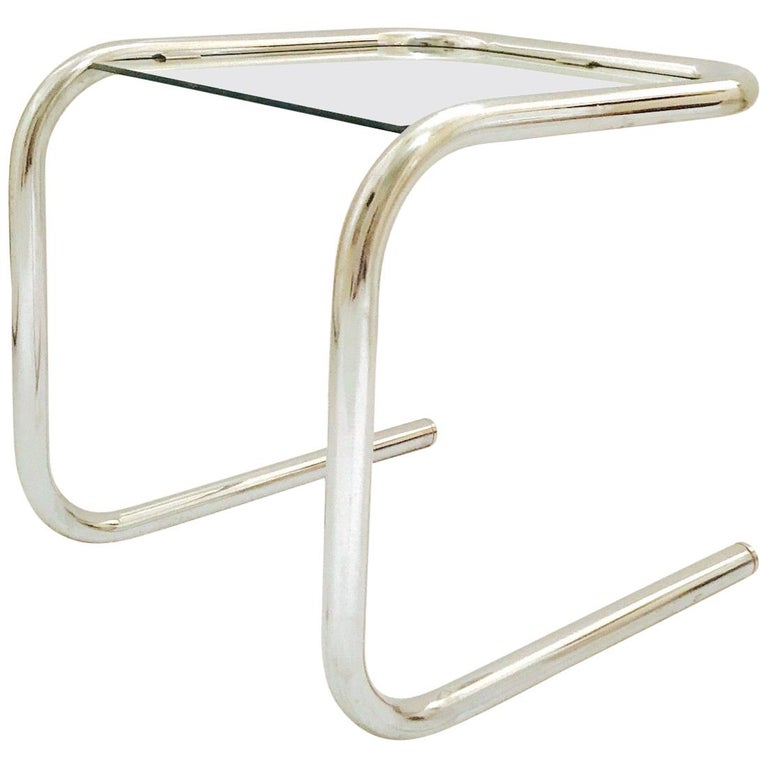 Mid-Century Modern Tubular Chrome Side Table in the Style of Thonet, 1960s For Sale