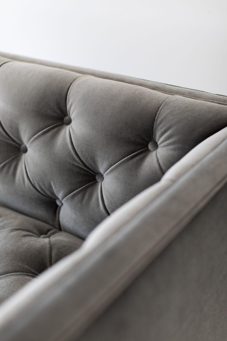Mid-Century Modern Tufted Sofa For Sale 4
