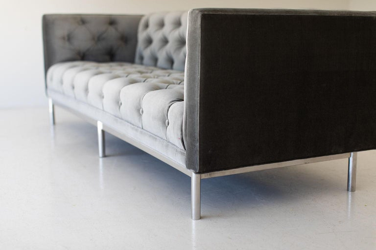 Mid-Century Modern Tufted Sofa For Sale 5