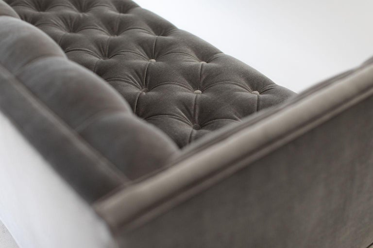 Mid-Century Modern Tufted Sofa In Good Condition For Sale In Oak Harbor, OH