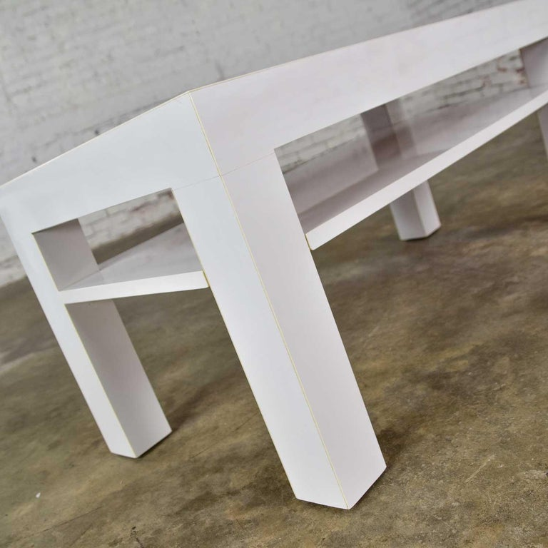 Mid-Century Modern Two-Tiered White Laminate Parson's Style Coffee or End Table For Sale 7