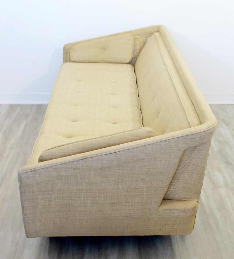 Mid-Century Modern Unique Sculptural Sofa Attributed to Dunbar or Laszlo, 1960s For Sale 1