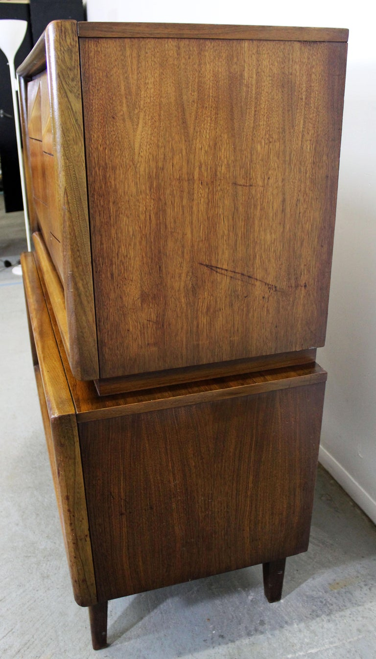 Mid-20th Century Mid-Century Modern United Diamond Front Large Walnut Tall Chest Dresser For Sale