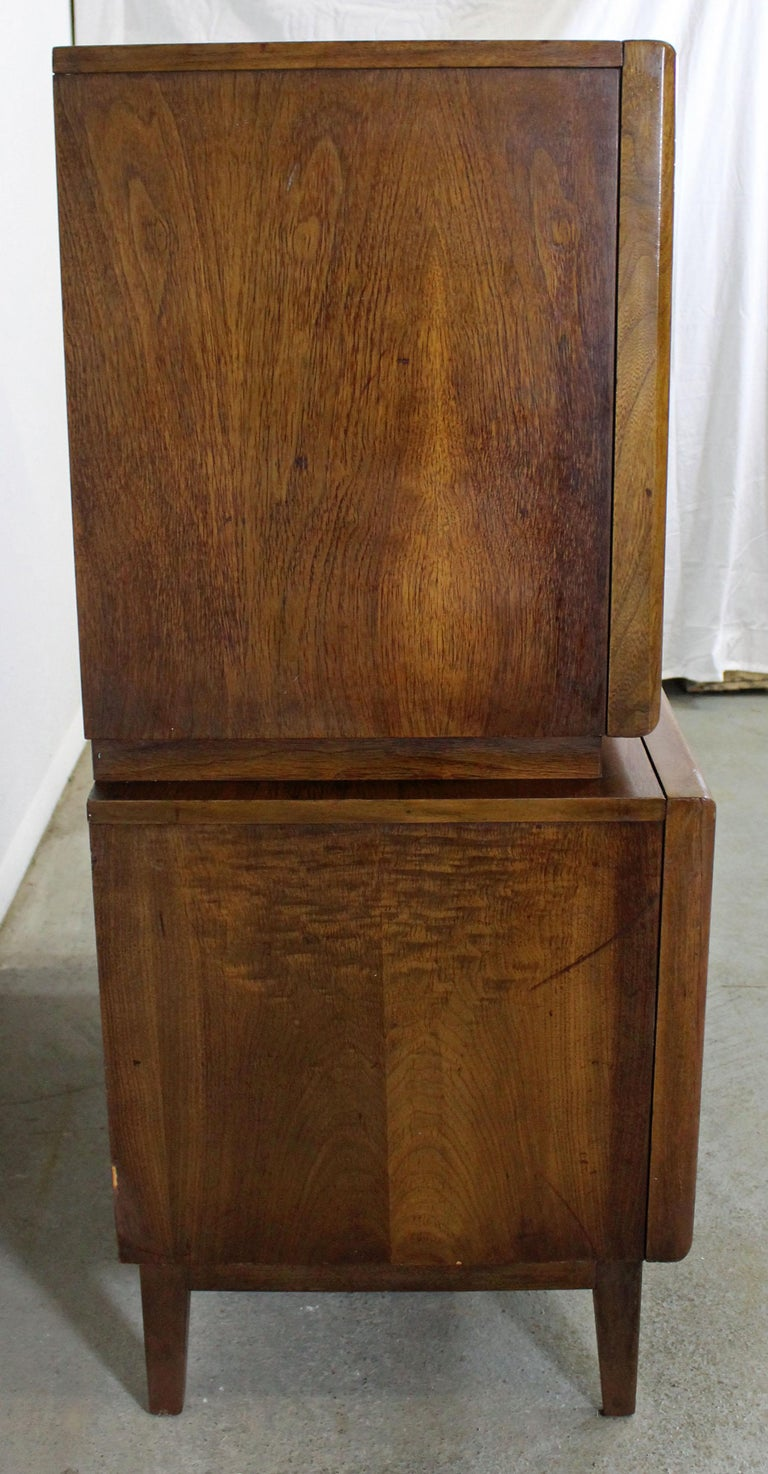 Mid-Century Modern United Diamond Front Large Walnut Tall Chest Dresser For Sale 1