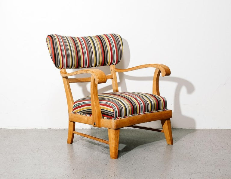 Mid-Century Modern Upholstered Lounge Chair In Good Condition In Brooklyn, NY