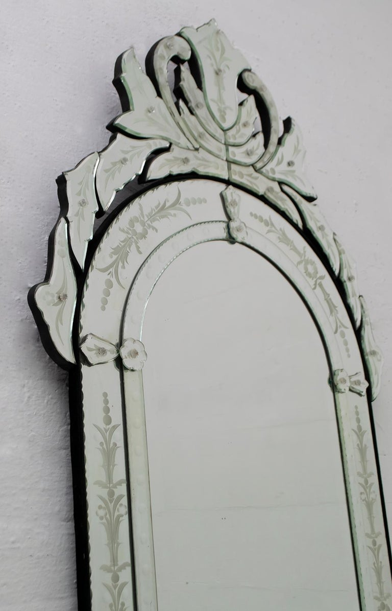 Italian Mid-Century Modern Venetian Etched and Beveled Mirror, 1950s For Sale