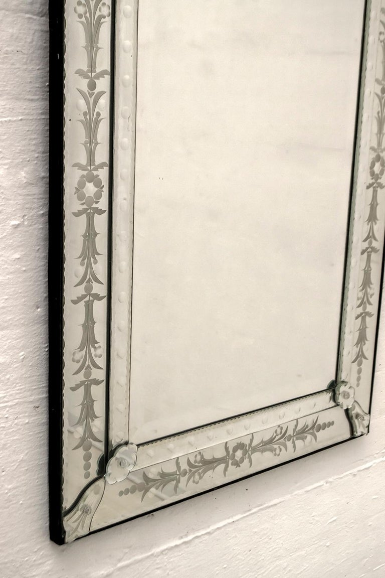 Mid-Century Modern Venetian Etched and Beveled Mirror, 1950s In Good Condition For Sale In Cerignola, Italy Puglia