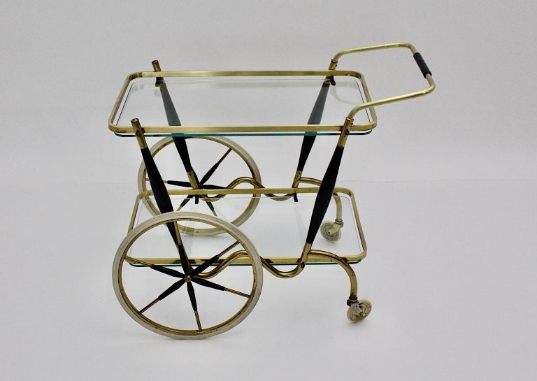 Mid-Century Modern Vintage Brass Beechwood Bar Cart, 1950s, Italy In Good Condition For Sale In Vienna, AT