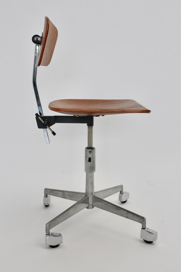 Mid-Century Modern Vintage Brown Beech Desk Chair Jorgen Rasmussen 1950s Denmark In Good Condition For Sale In Vienna, AT
