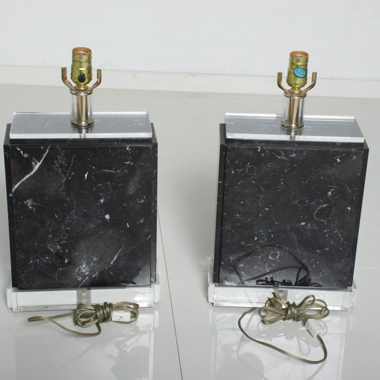 Mid-Century Modern Vintage Pair of Marble Lucite Table Lamps, Bauer Lamp Co. For Sale 3