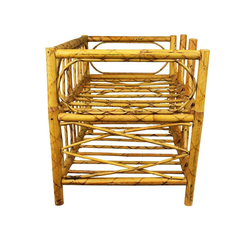 Mid-Century Modern Vintage Tortoise Bamboo and Wicker 6 Bottle Wine Rack In Good Condition For Sale In Oklahoma City, OK