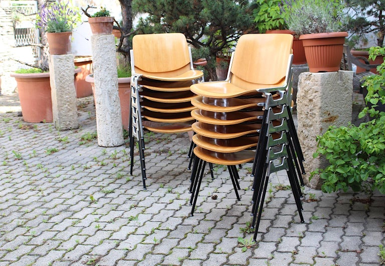 Mid-Century Modern Vintage Twelve Aluminum Beech Dining Chairs Giancarlo Piretti For Sale 6