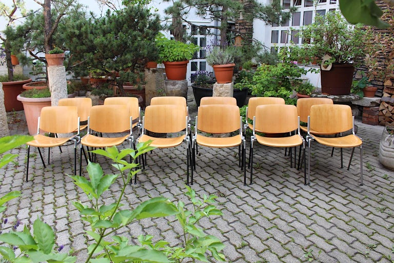Mid-Century Modern Vintage Twelve Aluminum Beech Dining Chairs Giancarlo Piretti For Sale 8