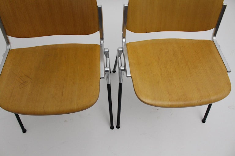 Mid-Century Modern Vintage Twelve Aluminum Beech Dining Chairs Giancarlo Piretti For Sale 14