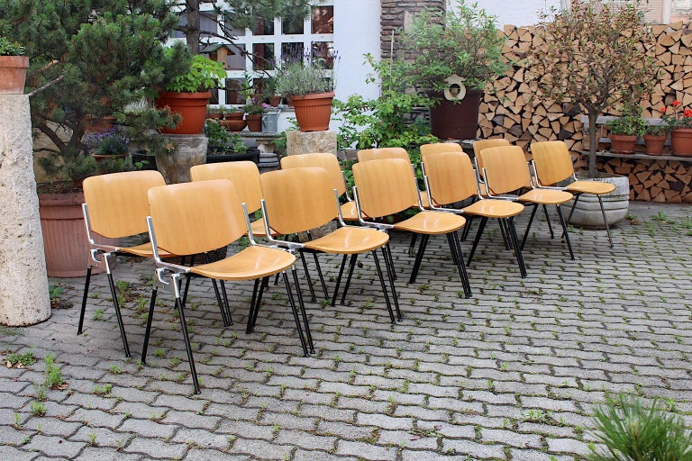 Mid-Century Modern Vintage Twelve Aluminum Beech Dining Chairs Giancarlo Piretti In Fair Condition For Sale In Vienna, AT