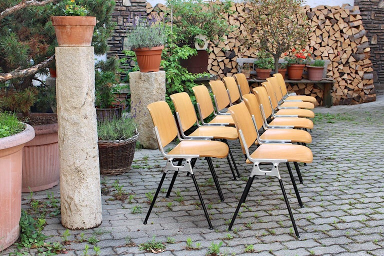 Mid-Century Modern Vintage Twelve Aluminum Beech Dining Chairs Giancarlo Piretti For Sale 1
