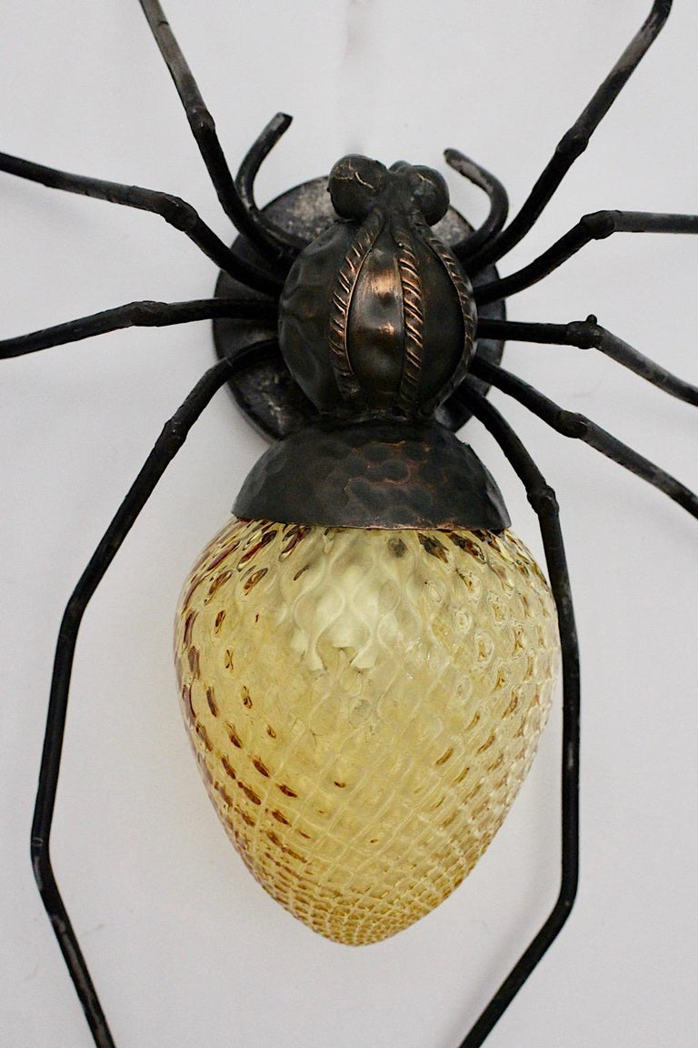 Mid-Century Modern Vintage Yellow Glass Metal Spider Fly Wall Light Sconce Italy For Sale 5