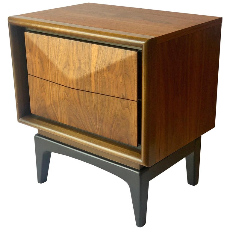 Mid-Century Modern Walnut and Black Lacquer Diamond Front Nightstand by United For Sale