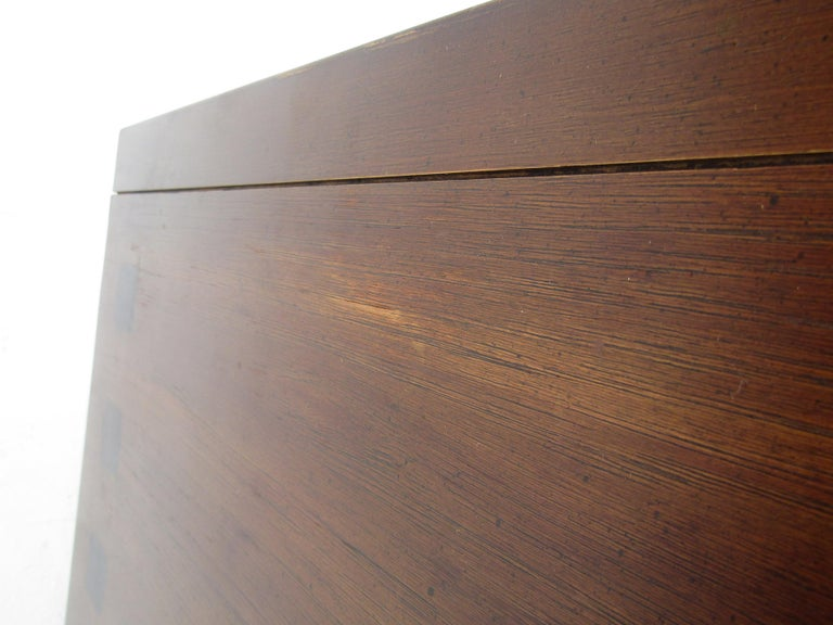 Mid-Century Modern Walnut and Rosewood Lane Bedroom Set For Sale 14