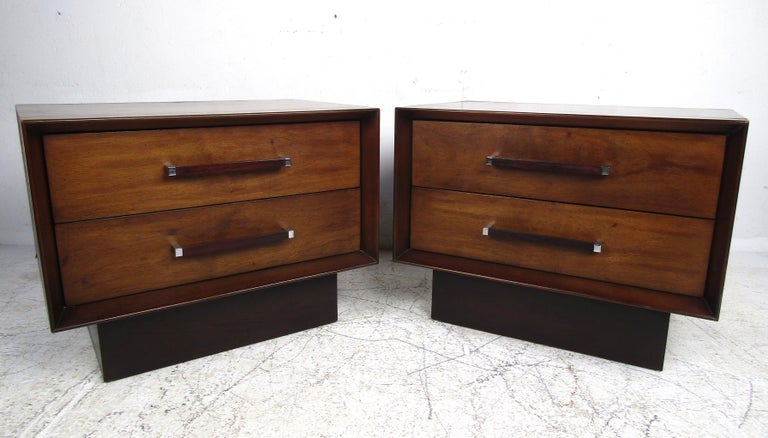 Chrome Mid-Century Modern Walnut and Rosewood Lane Bedroom Set For Sale
