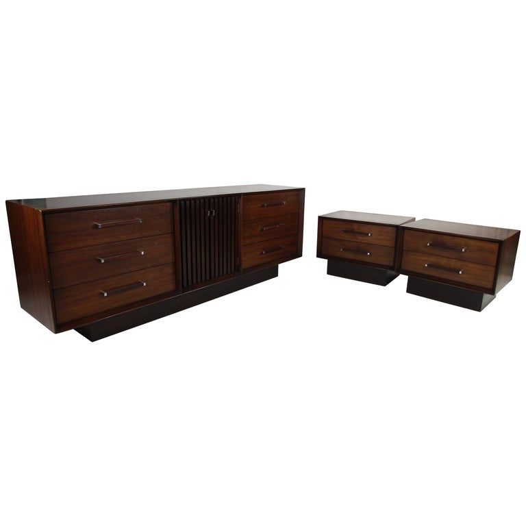 Mid-Century Modern Walnut and Rosewood Lane Bedroom Set For Sale