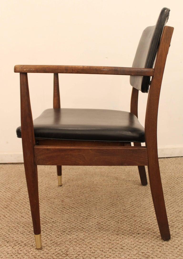 Mid-Century Modern Walnut Armchair In Good Condition For Sale In Wilmington, DE