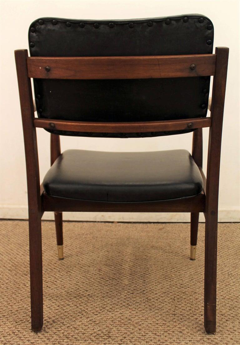 20th Century Mid-Century Modern Walnut Armchair For Sale