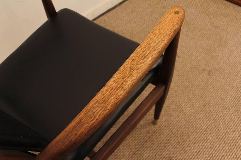Mid-Century Modern Walnut Armchair For Sale 2