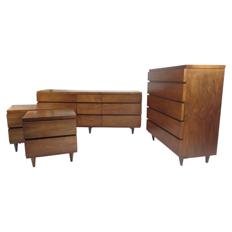 Mid Century Modern Walnut Bedroom Set By Bassett For Sale At 1stdibs