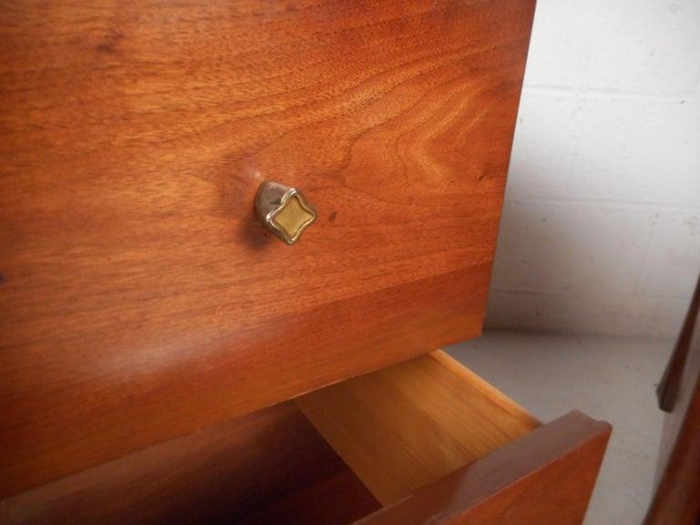Mid-Century Modern Walnut Bedroom Set For Sale 14