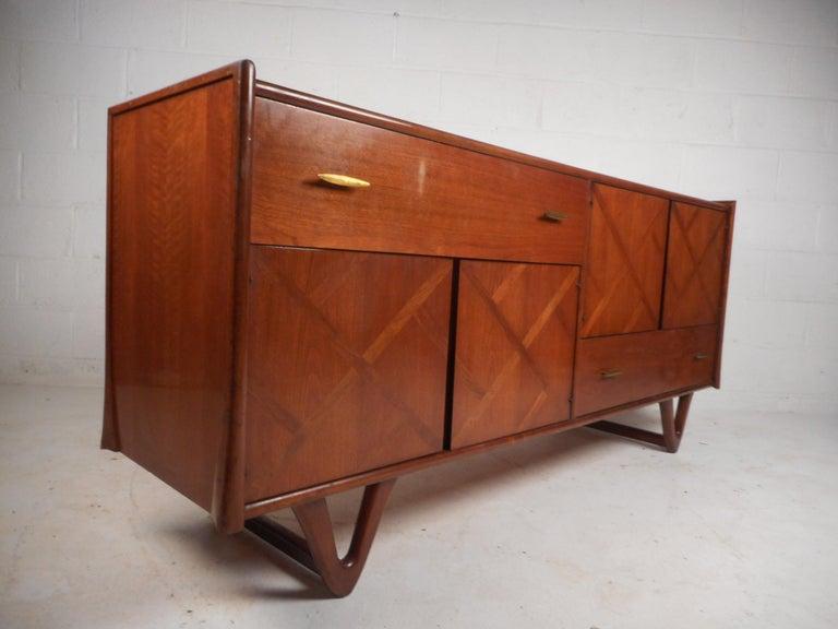 Late 20th Century Mid-Century Modern Walnut Bedroom Set For Sale