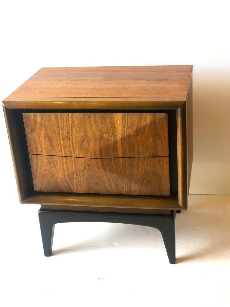 American Mid-Century Modern Walnut and Black Lacquer Diamond Front Nightstand by United For Sale