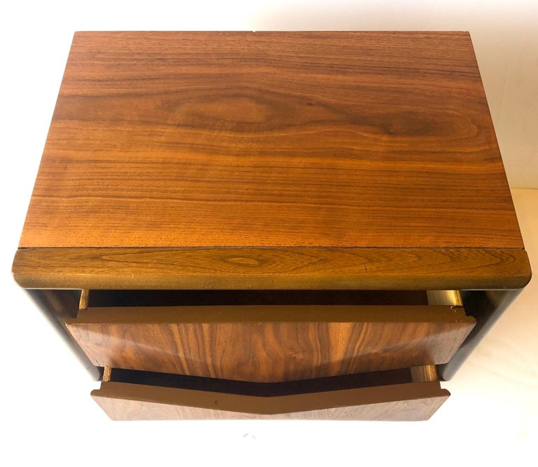 20th Century Mid-Century Modern Walnut and Black Lacquer Diamond Front Nightstand by United For Sale