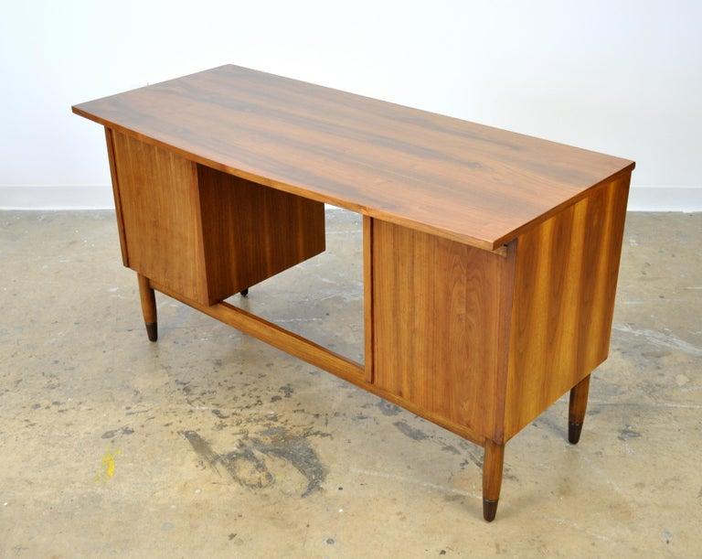 Mid-Century Modern Walnut Boomerang Desk For Sale 7