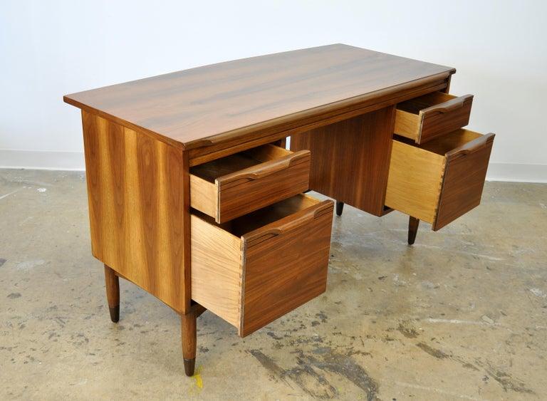 Mid-Century Modern Walnut Boomerang Desk For Sale 9