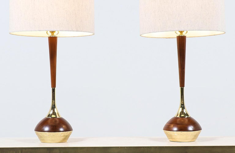 Mid-Century Modern Walnut & Brass Accent Table Lamps by Laurel In Excellent Condition For Sale In Los Angeles, CA
